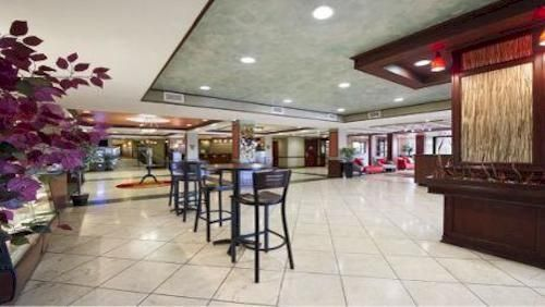 Hotel Deal Checker   Wyndham Garden Hotel Newark Airport