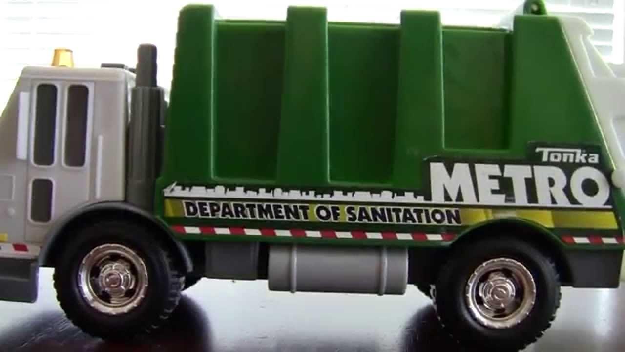 Toy Garbage Truck - TONKA Metro Rearloader #garbagetrucksrule