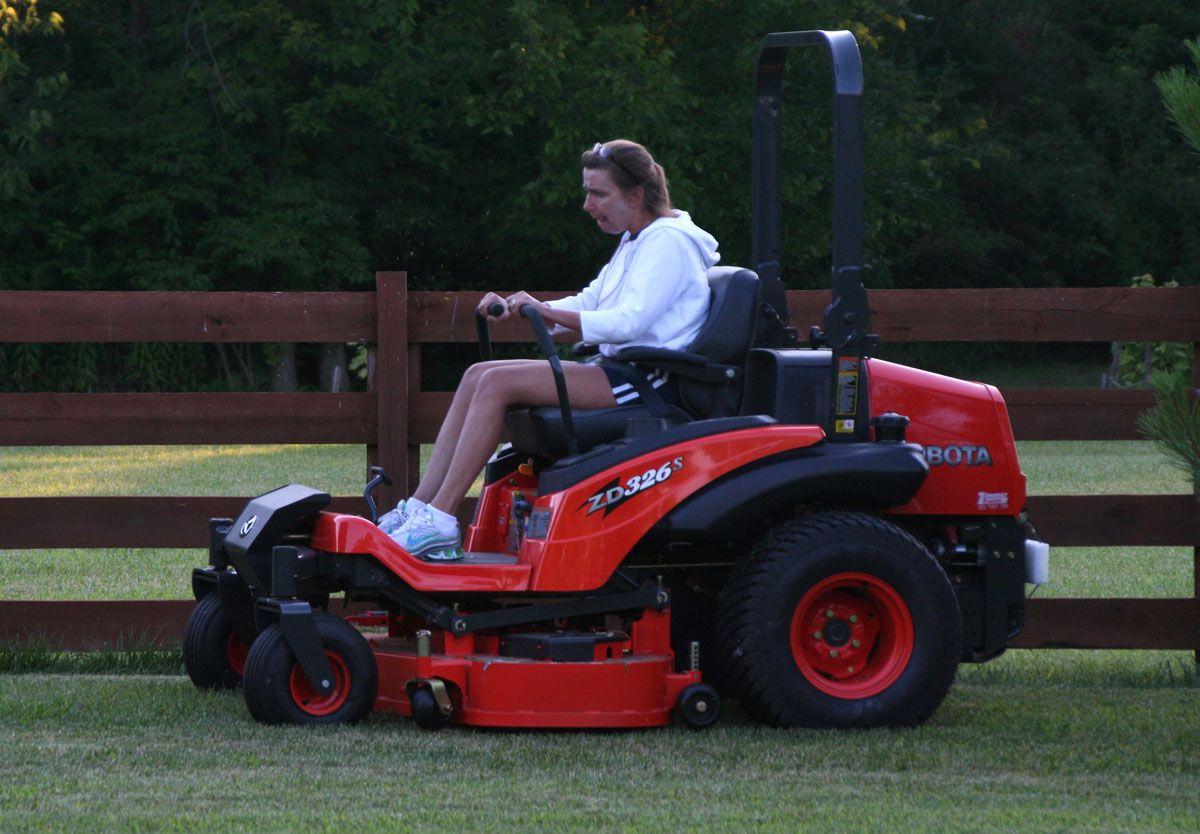 New Kubota Zd326s Diesel Zero Turn Mower My Desultory Blog Zero Turn Mowers Mower Commercial Lawn Mowers