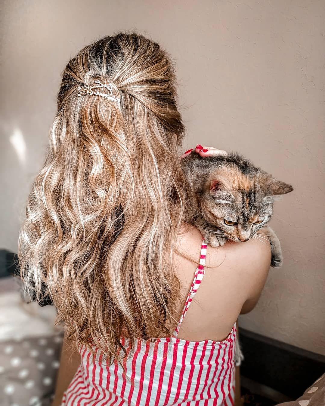 Sladusik My Monday Home Cozy Hair Hairstyle Cat Winter Blondesandcookies Photo Likeforlikes Likeback Goodday Like Hair Styles Hair Blonde