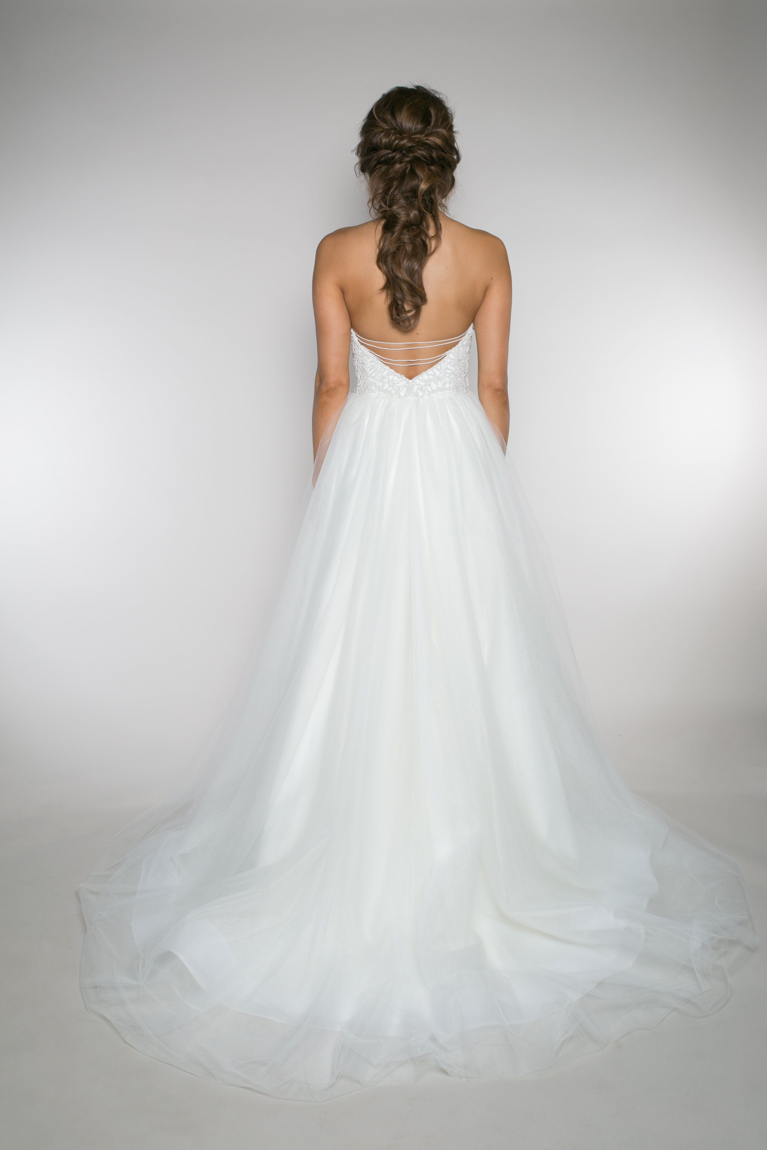 Aster Mae} This v-neck, mermaid style wedding dress has 2 layers of ...