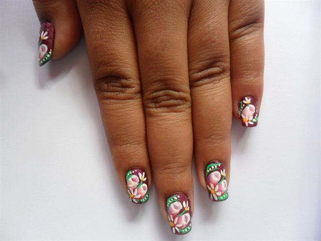 rose buds - Nail Art Gallery