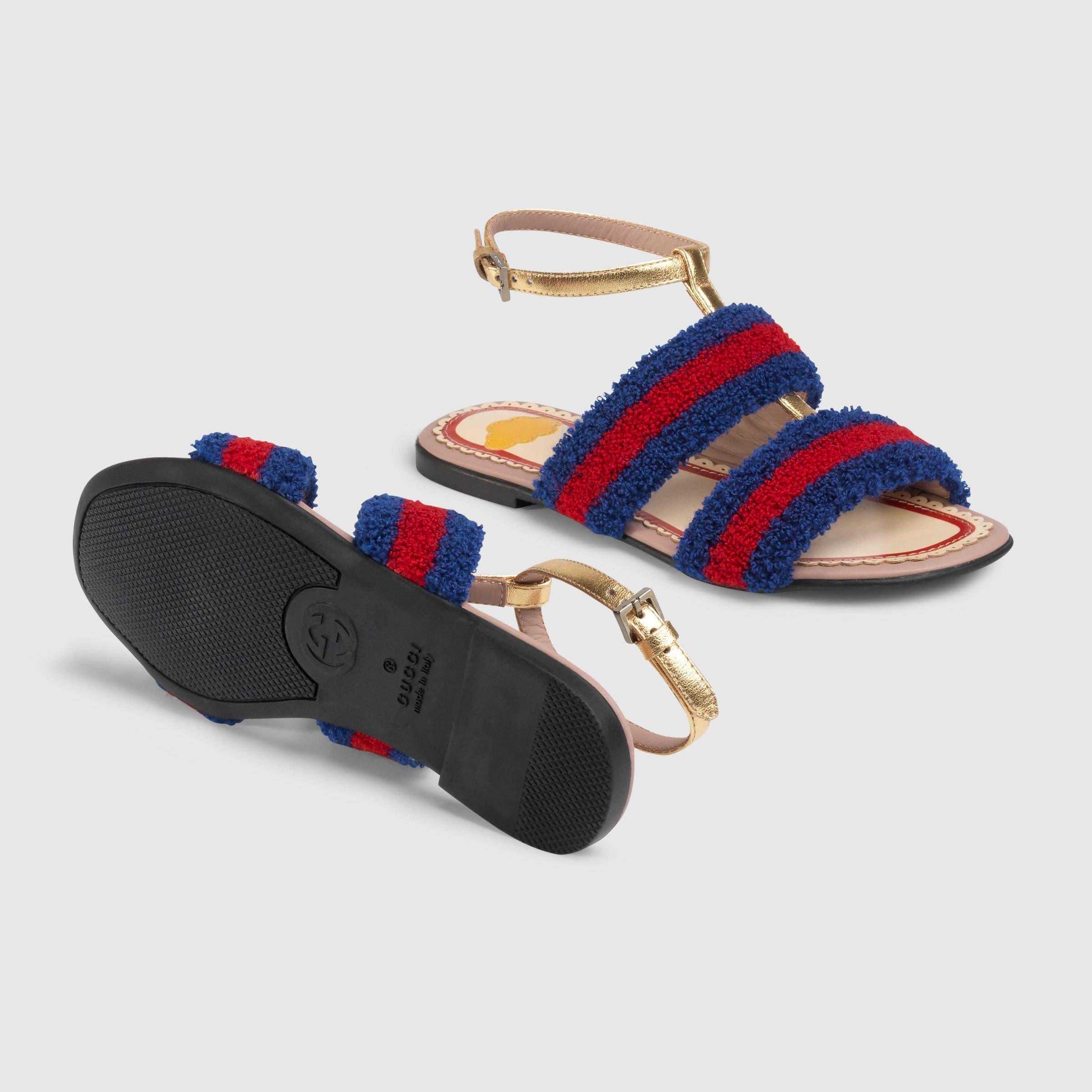 760a28238 Gucci Children s terry cloth sandal Detail 5