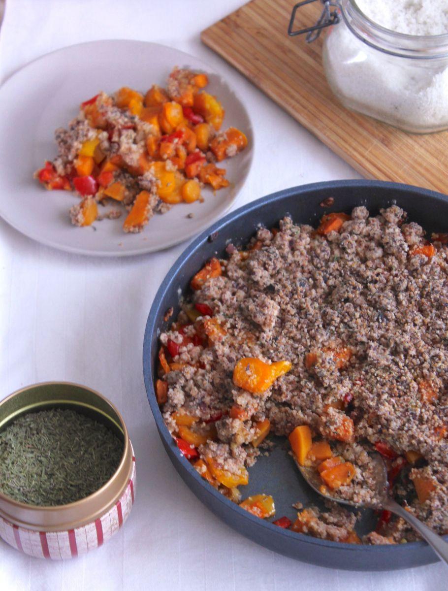crumble sal de poivrons carottes patate douce au thym. Black Bedroom Furniture Sets. Home Design Ideas