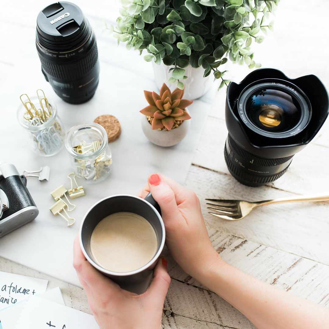 It's coffee time folks. A coffee a day keeps the blues away! ☕😄  📷credits 👉 unsplash.com/@brookelark . . . #cutlery #flatware #tableware #crockery #silverware #zsen #zsencutlery #stainlesssteel #spoon #teaspoon #dessertspoon #cutlerymatters #tablewaredesign #homedecor #tablesetting #homeliving #coffeetime #interiordesign #homeliving #events #fork #decor