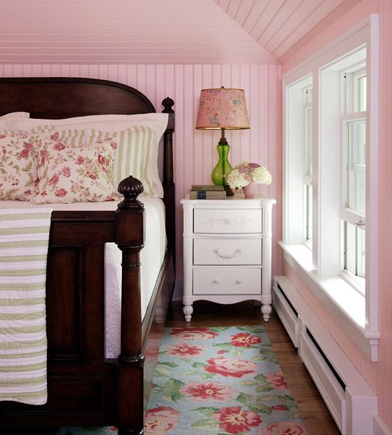 pink bead board | cottage flair | pop of green