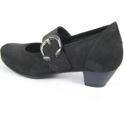 Photo of Reduced women's clasp pumps