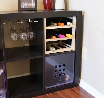 un bar vin avec une tag re kallax petites barres stockage du vin et bar. Black Bedroom Furniture Sets. Home Design Ideas