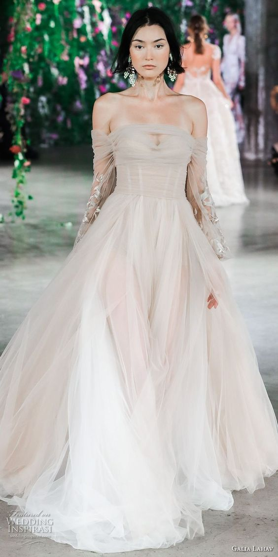 "Galia Lahav Couture Fall 2018 Bridal Runway Show — ""Florence by Night"" Wedding Dresses"