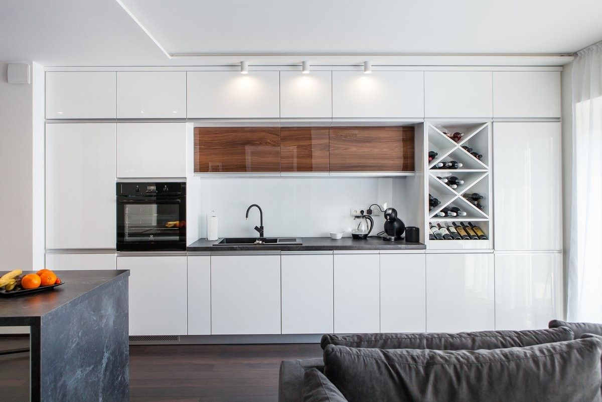 Lacquered White Kitchen In 2020 Contemporary Cabinets Glass Cabinet Doors Gloss Cabinets