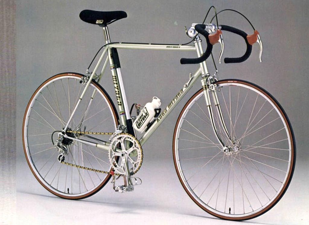 Expected A Very Good Conditioned And Original Gentsracer S Silvergreen Metallic Shimano 600 Arabesque Groupset Size 63cm Related Miyata Steel Bike Koga