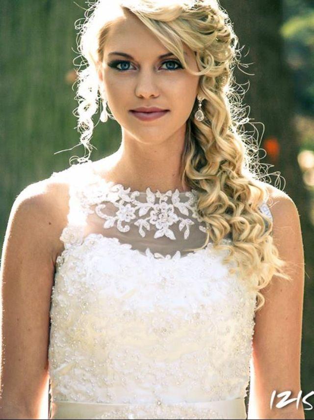 Wedding Hair And Makeup Curly Side Up Do Servicing Maryland Dc Virginia Weddinghair Weddingmakeup Bba Www Bridalbeautytogo Call 443 413 6218