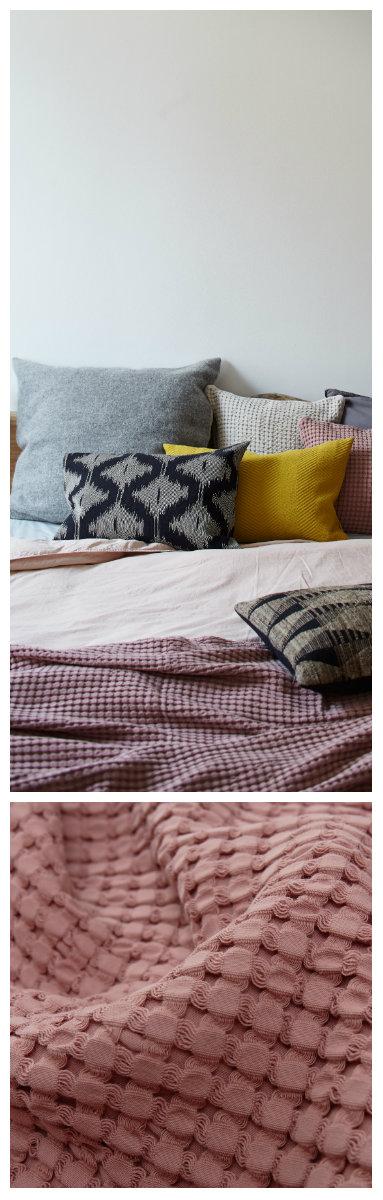 Pin Von Urbanara Auf In For Spring Tagesdecke Altrosa Deckchen