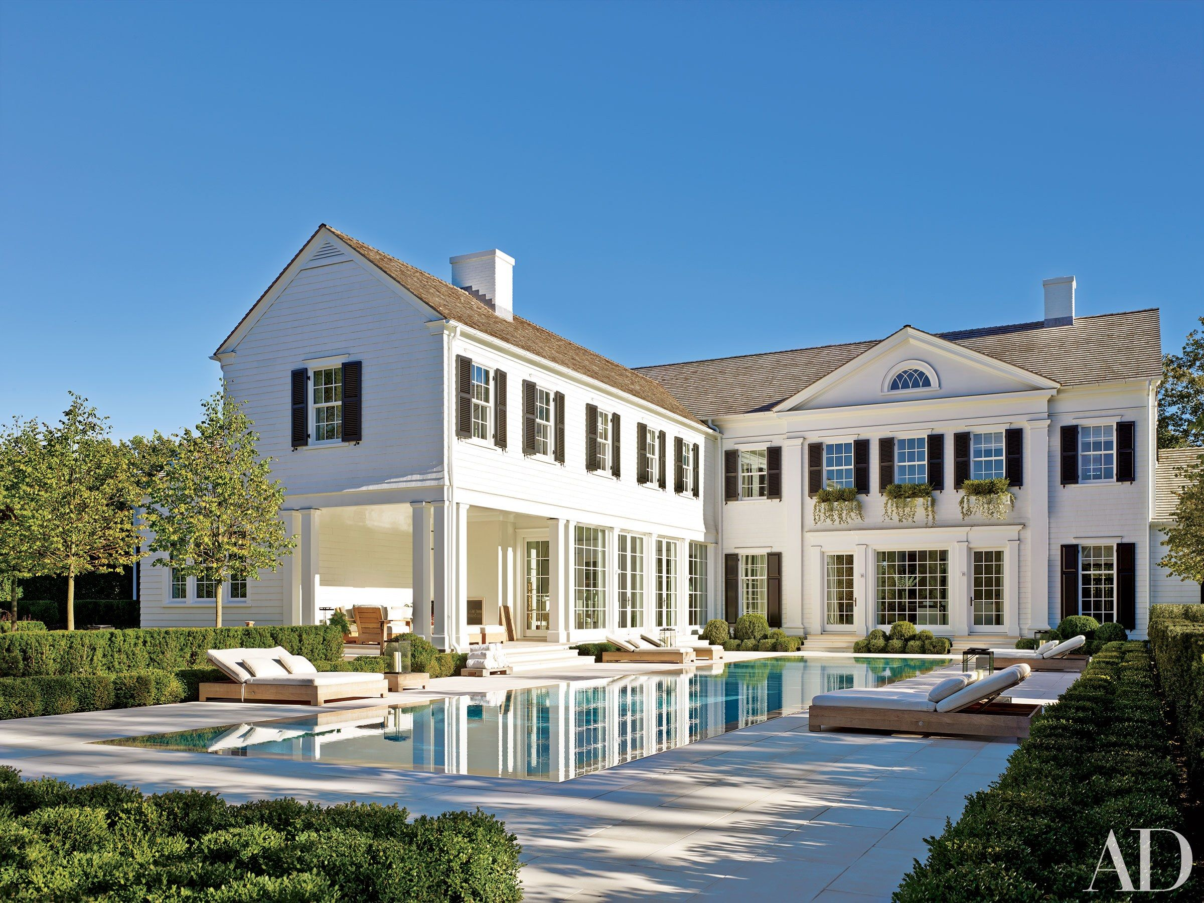 White Exterior Paint Colors Ideas For Beautiful Houses Photos -