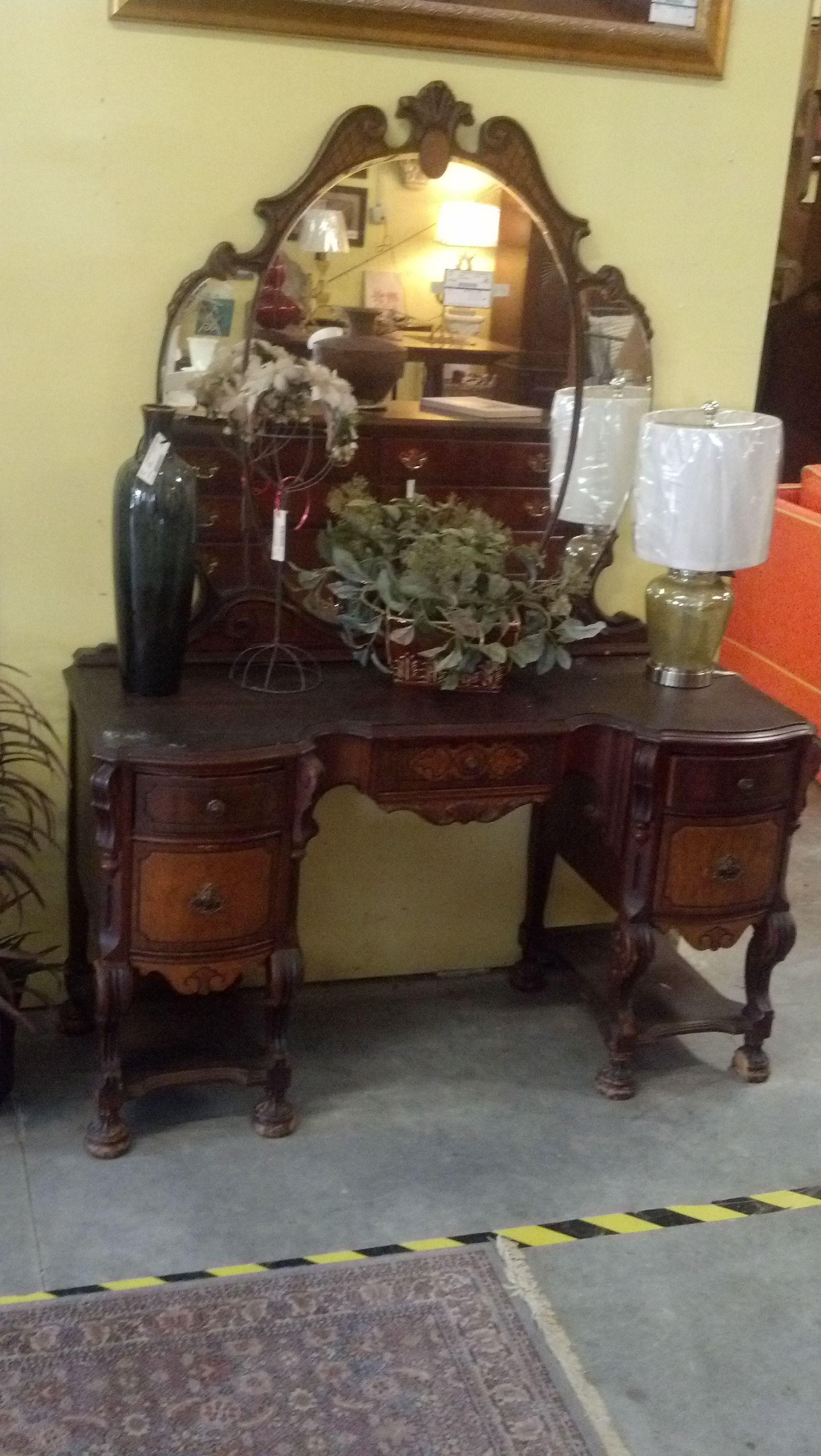 Antique makeup vanity table - Gorgeous Antique Vanity