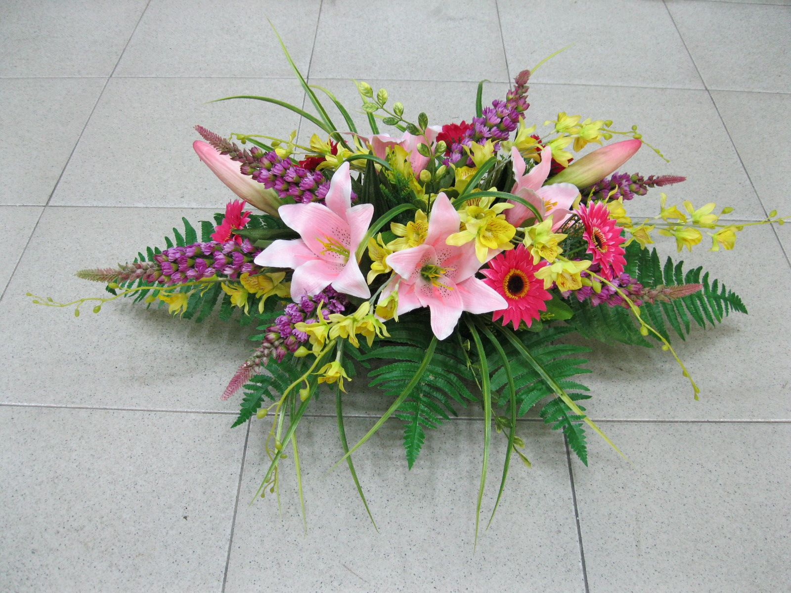Floral Arrangements Hoi Kee Flower Shop Conference Table Floral