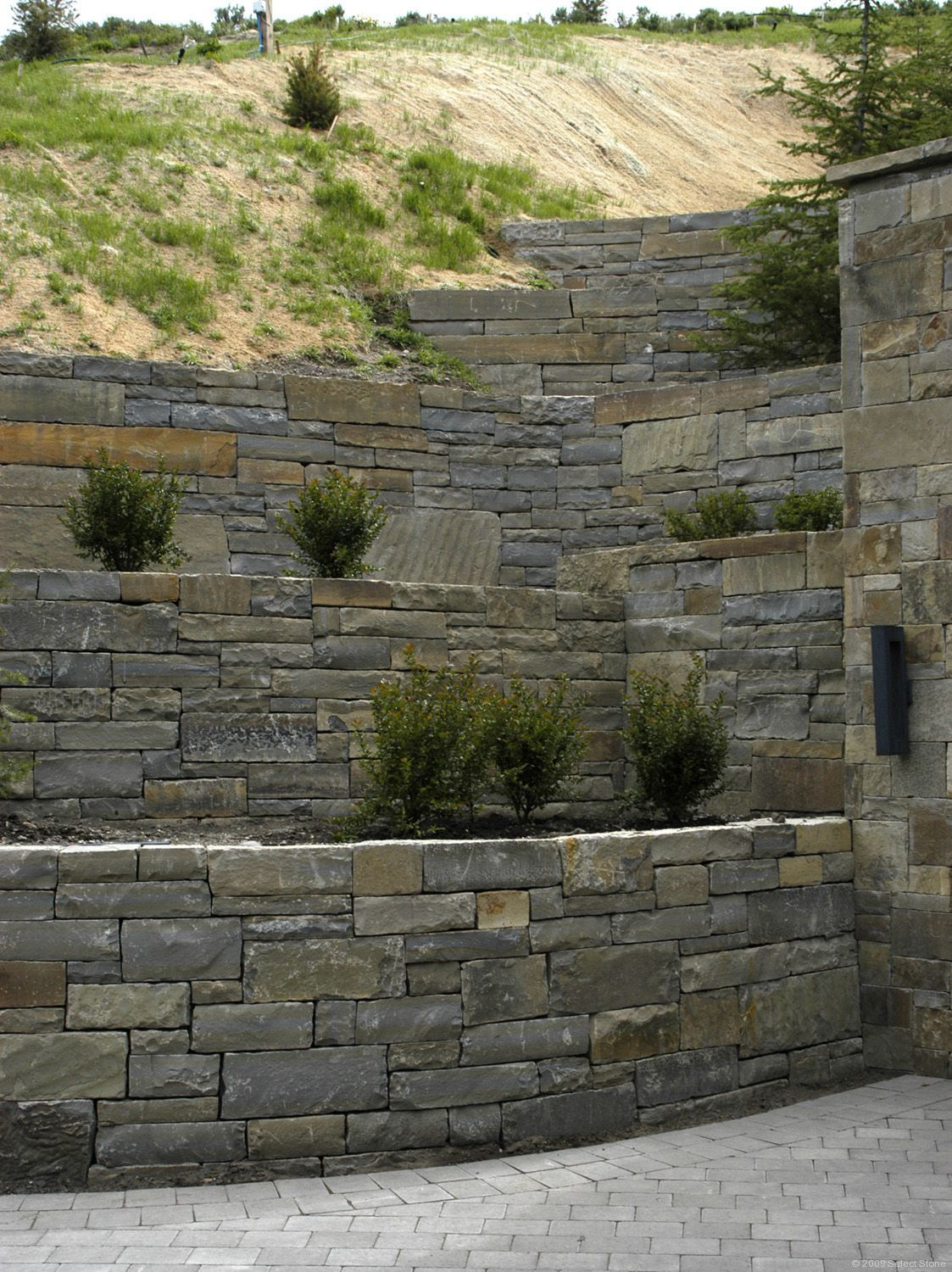 Retaining Wall With Diffe Size Stones Google Search