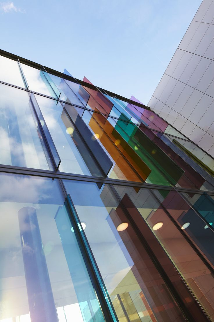 Projecting Glass Fins - interesting feature!: