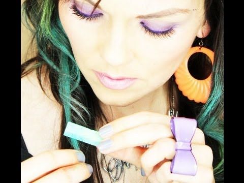 DIY non- permenent hair dye   How To Do The Hair Chalk Trend