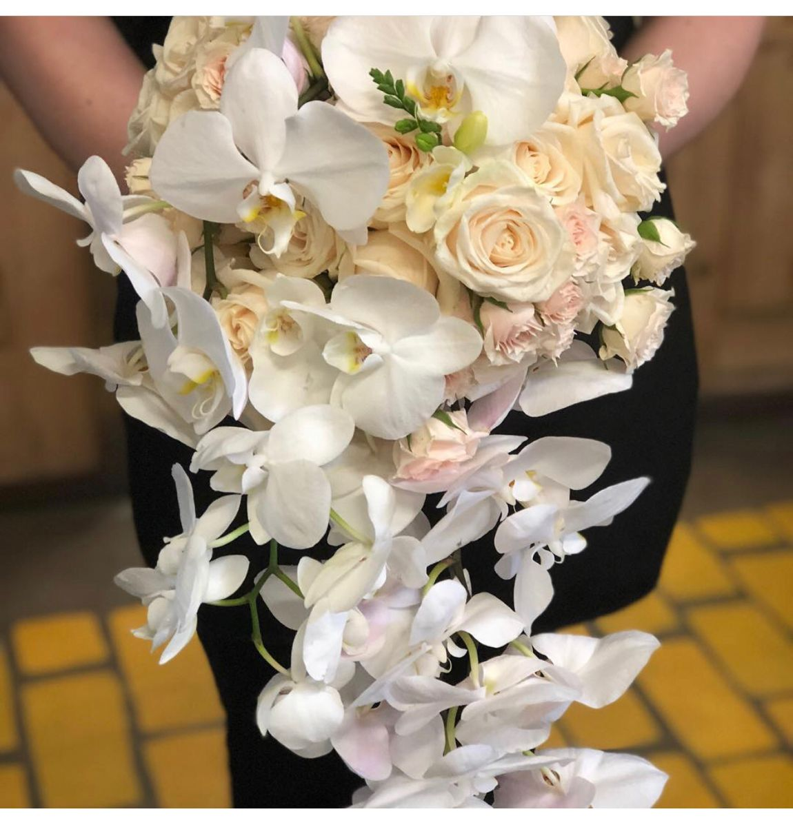 Wedding Bouquets In 2020 Wedding Bouquets Bridal Bouquet Wholesale Flowers