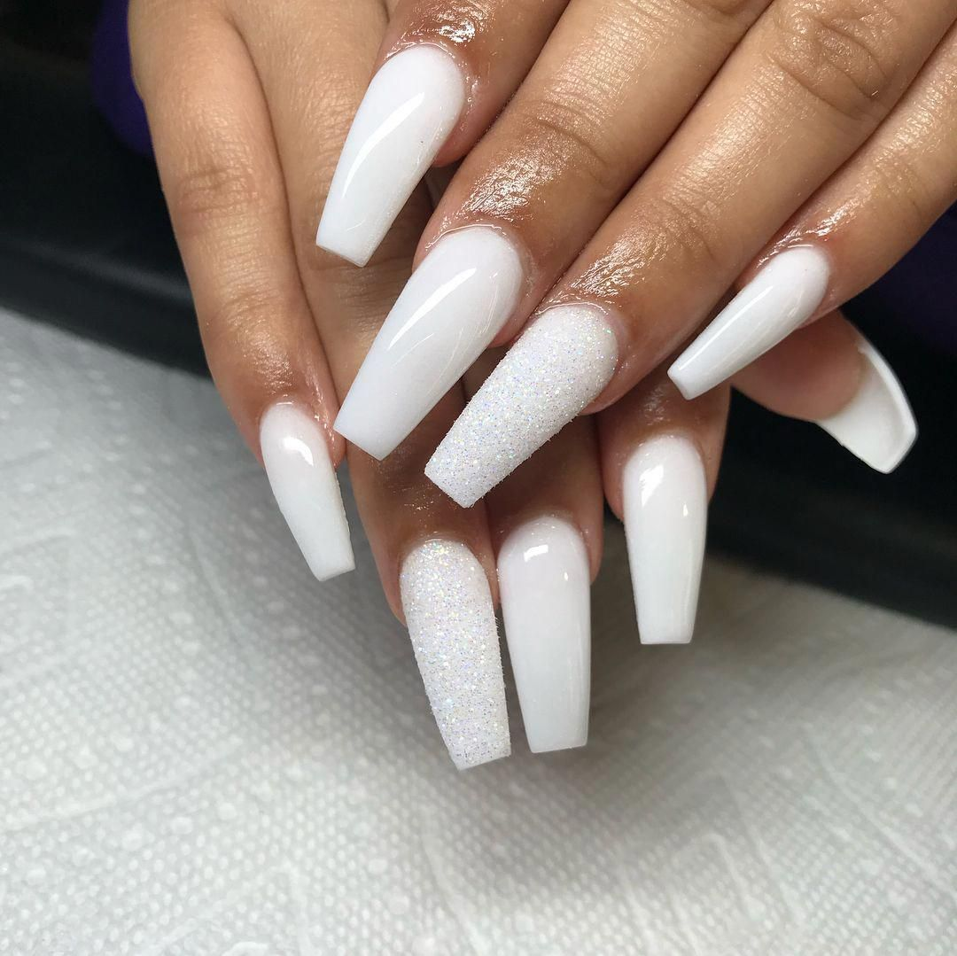 Check Out This Hip Photo What An Inventive Style And Design Nailssimple White Acrylic Nails Acrylic Nails Square Acrylic Nails