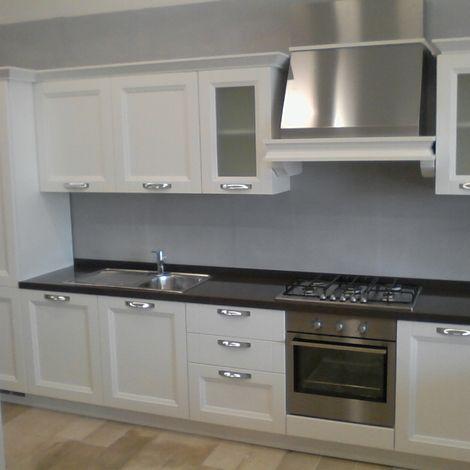 Vismap cucina giulia frassino laccato bianco classica for Nuova casa classica bad aibling