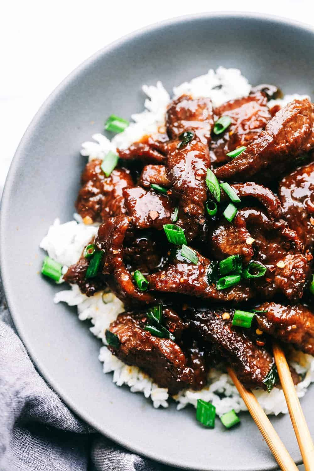 Super Easy Mongolian Beef (Tastes Just like P.F. Changs!) | The Recipe Critic #chinesefood