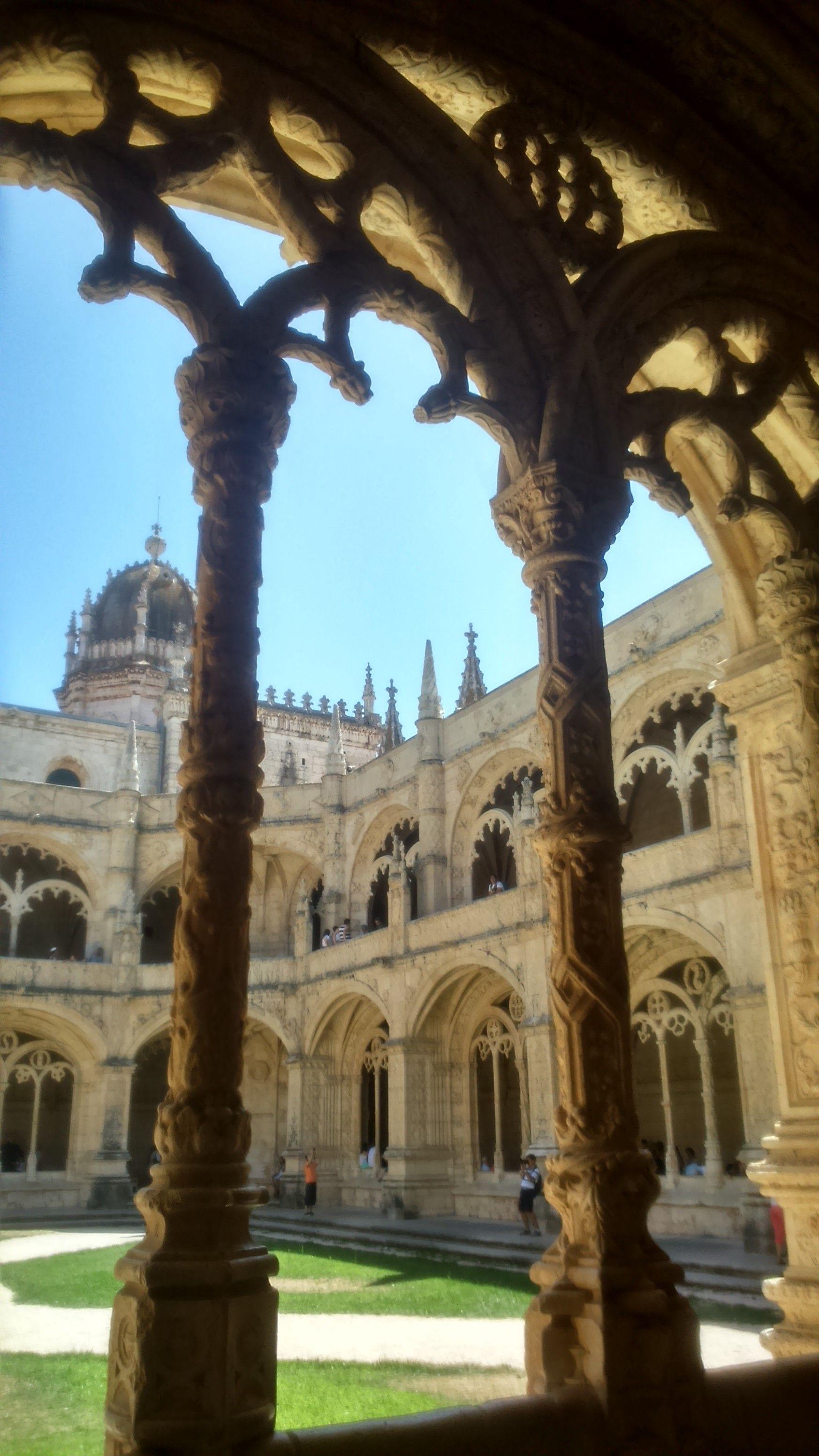 Mosteiro Jerónimos - Lisboa  Jeronimos Monastery - Lisboa - Portugal