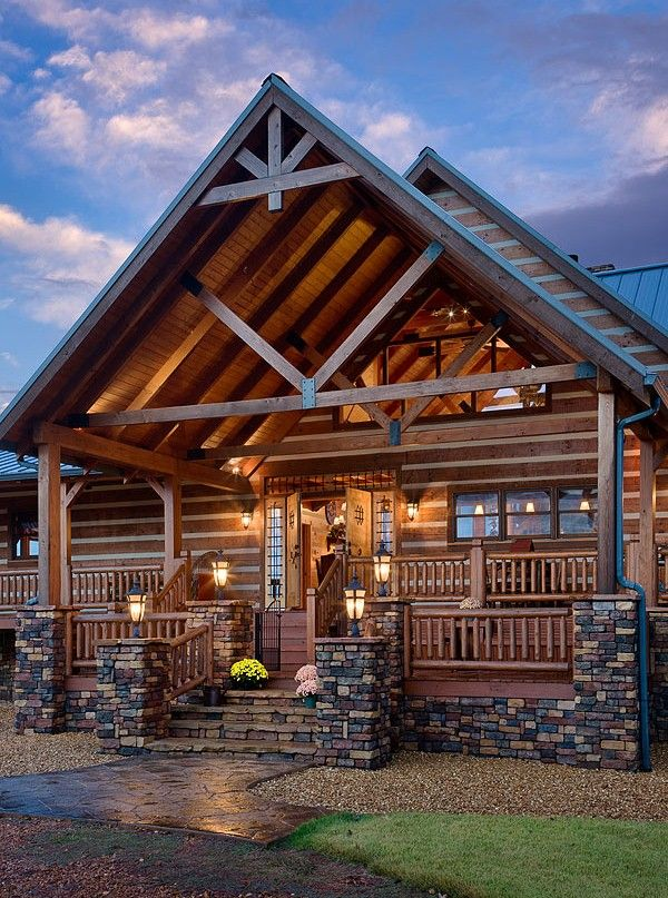 Exterior Of The DeSocio II Manufactured By Honest Abe Log Homes Inc
