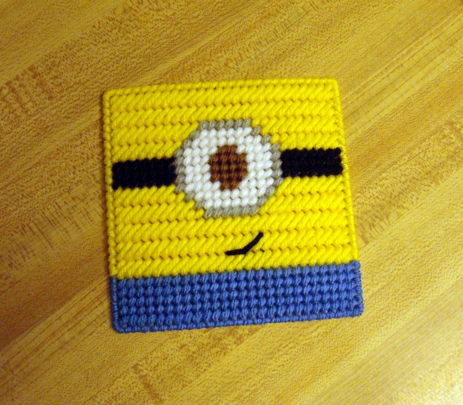 ~ Dly's Hooks and Yarns ~: ~ a plastic canvas Minion coaster ~
