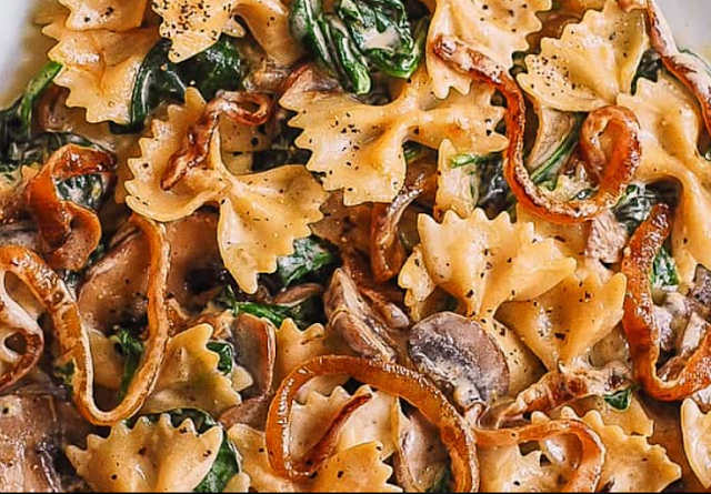 FARFALLE WITH SPINACH, MUSHROOMS, CARAMELIZED ONIONS - cookingfun recipes#breakfast#easy recipes#yummy#cake&bread#dinner#salad#soup#chicken#drinks#pasta