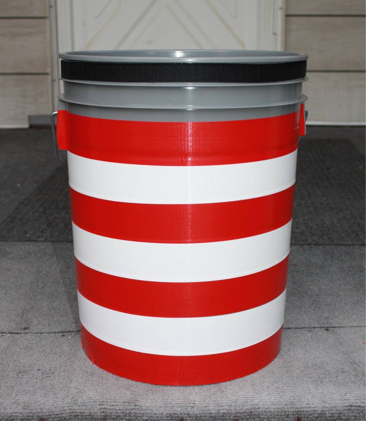 Glam Up The Camping Loo Simply A 5 Gallon Bucket With A Toilet