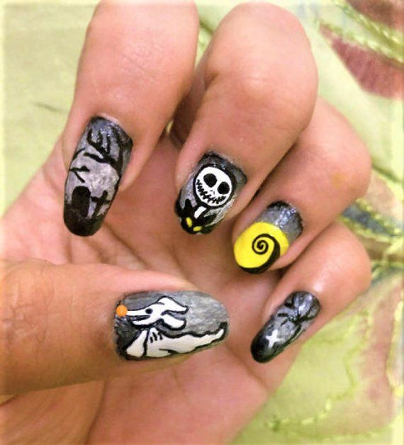 Halloween nails, The nightmare before Christmas nails ...