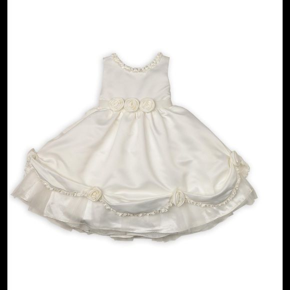 Special Ocassion Girl's Dress Gorgeous girl ivory color dress. Worn once for wedding. Floral designs. Size 3T. Dresses