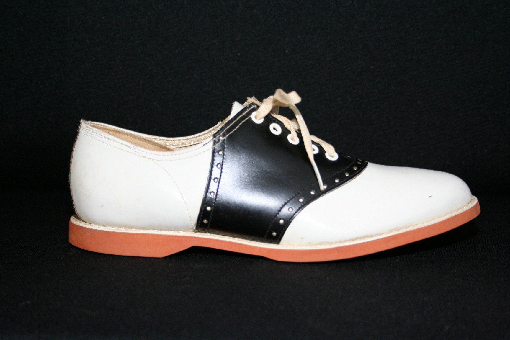1950s Saddle Shoes. Vintage Shoes