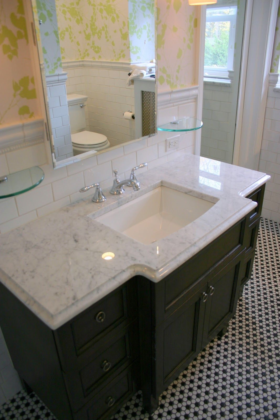 Small bathroom hexagon floor tile ideas bathroom marble for Elegant small bathrooms