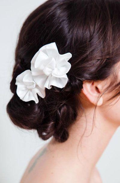 Wedding Flower Hairpins in Ivory