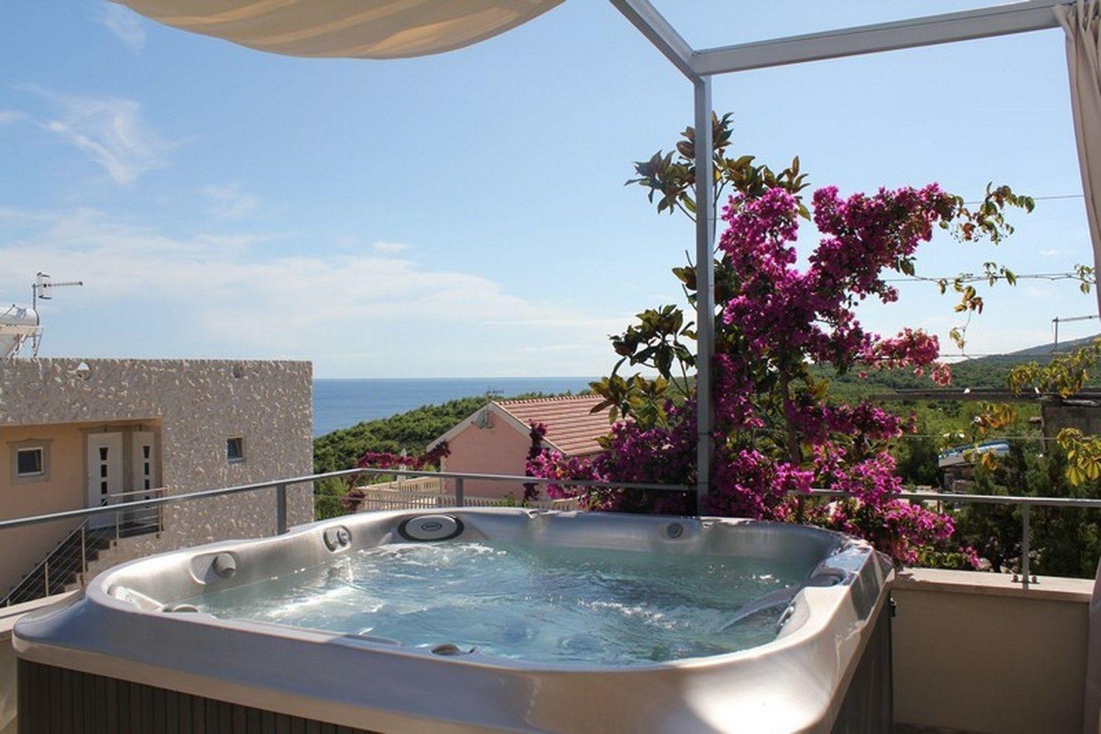 Amazing Seaside Villa with Jacuzzi on Terrace Island Vis