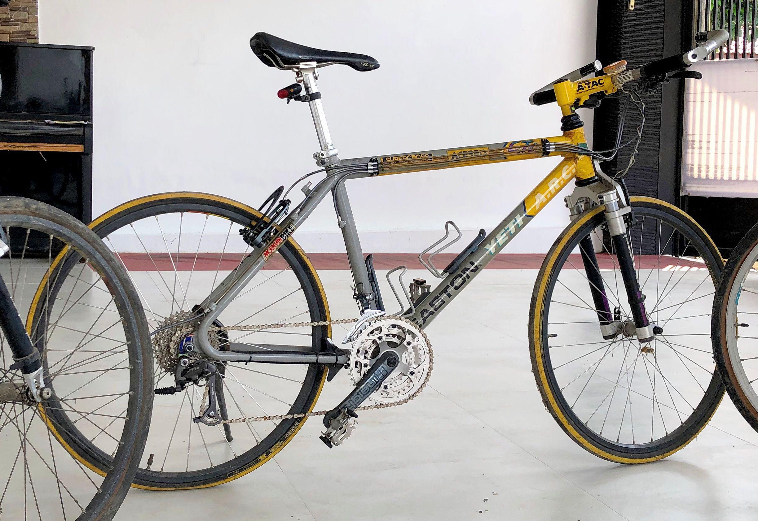 Yeti Arc Grey Yellow Barn Find Ciclismo De Montanha Ciclismo