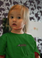 Lasten luomupuuvillainen aatos t-paita. Children's Aatos t-shirt. Ecologically and ethically produced. Organic cotton.