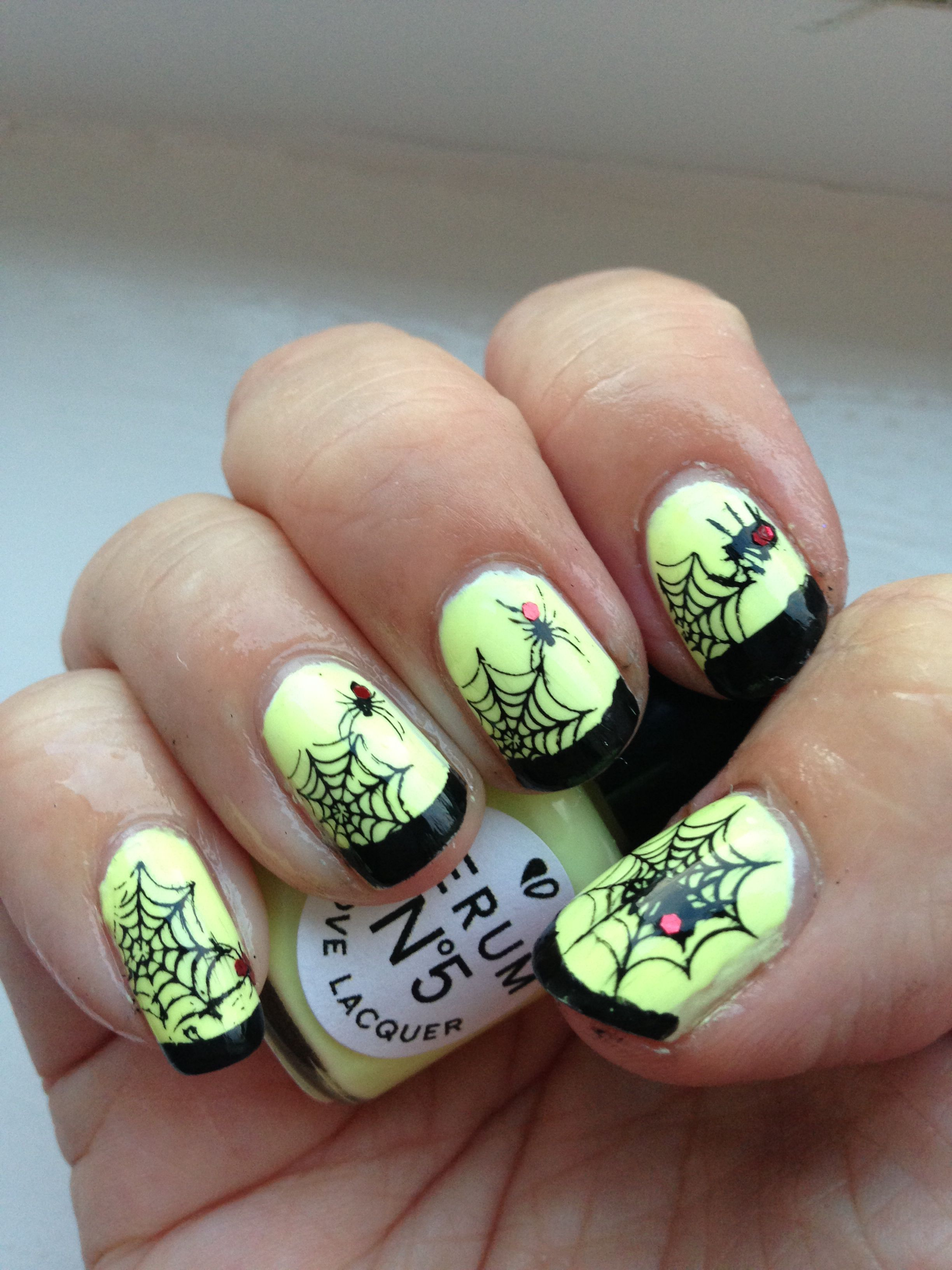 Day 5 Spider or spider web nails Serum No 5 Day Glow glow in the ...