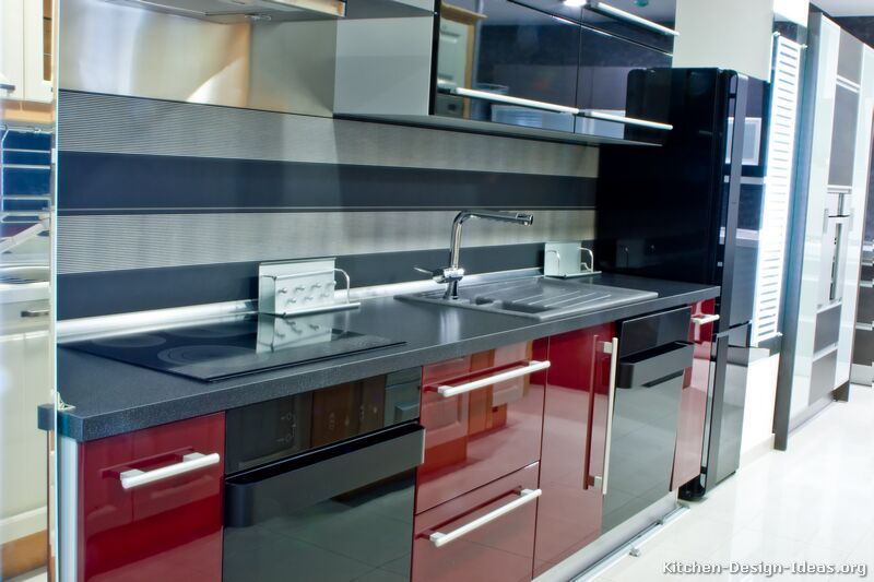 Kitchen Idea Of The Day Modern Glossy Red And Black