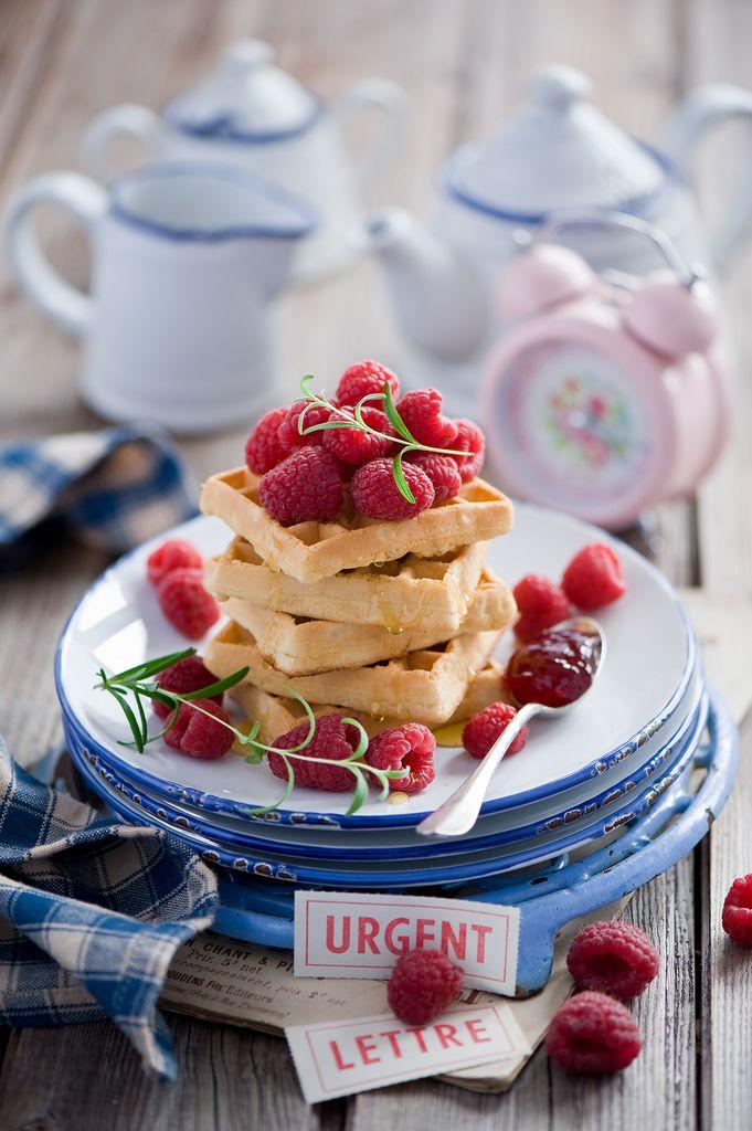 Гиф открытка что на завтрак