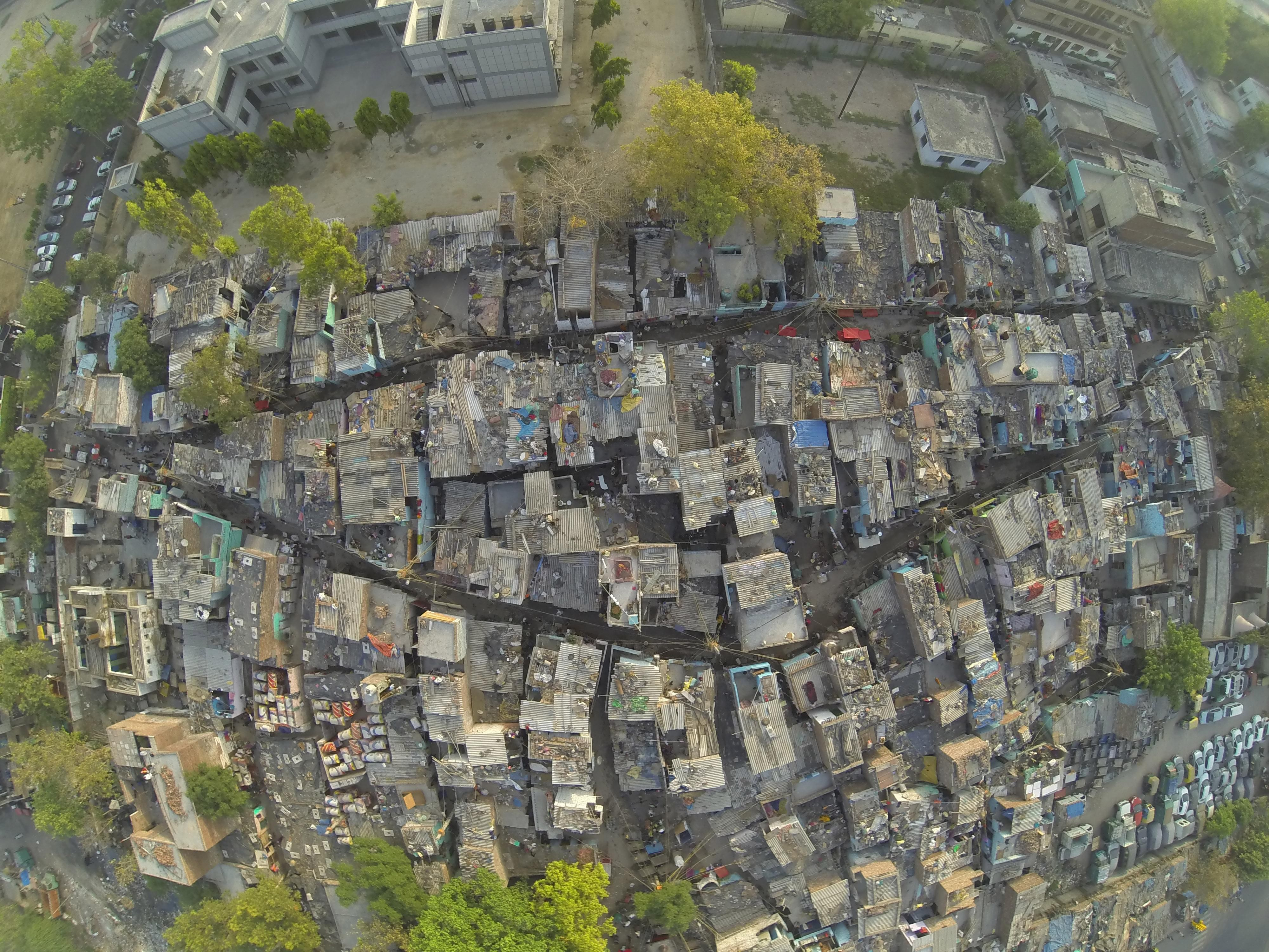 The Ingenious Delhi Slum That Scrapes By Without Toilets In Pictures