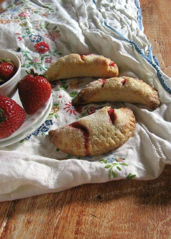 Strawberry Hand Pies / une gamine dans la cuisine