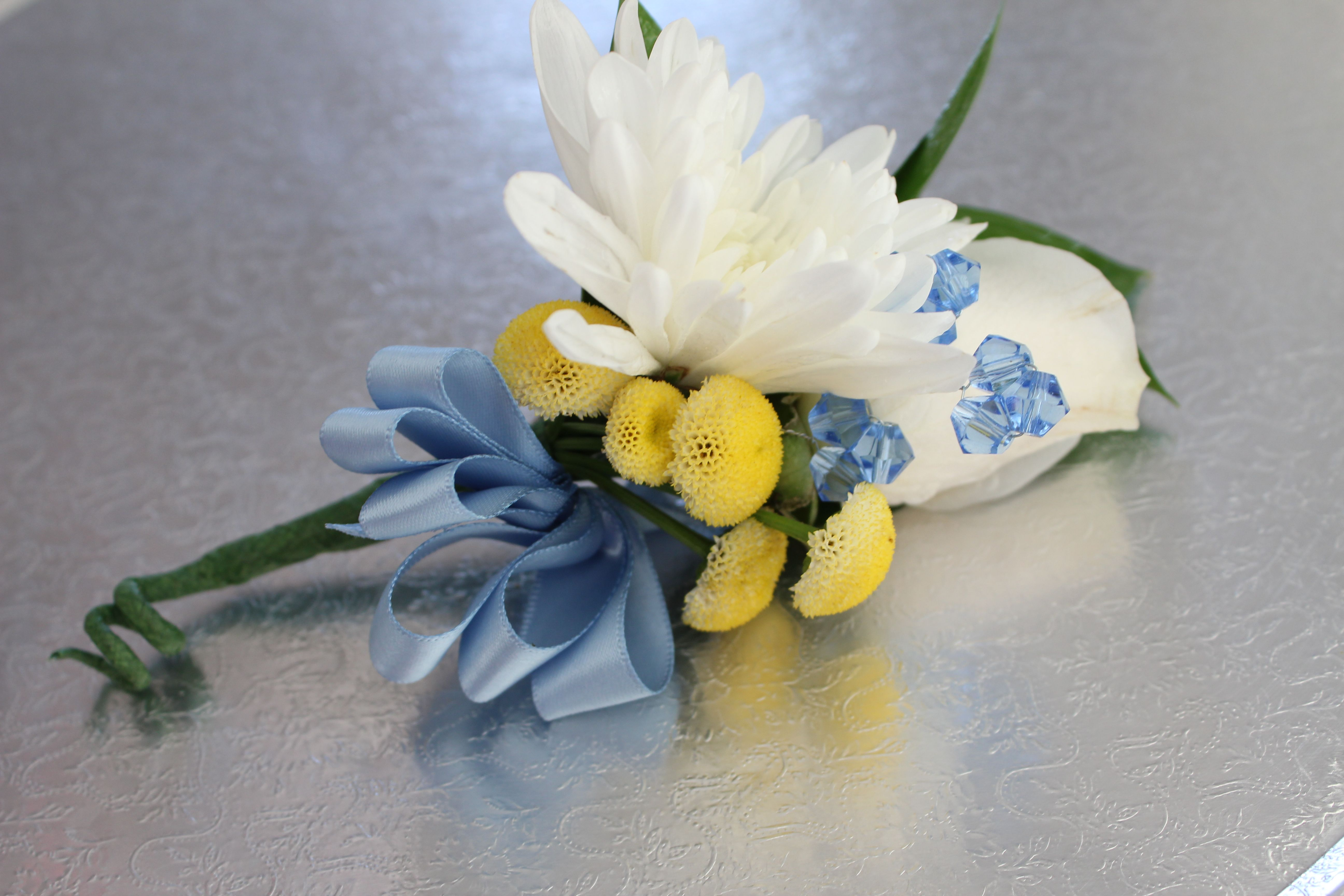 Yellow Blue And White Boutonniere Yellow And Blue Wedding