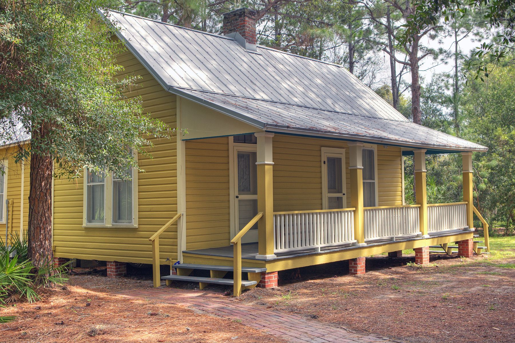 a cracker house is a wooden shelter built by the early florida and a cracker house is a wooden shelter built by the early florida and georgia old florida dreaming pinterest crackers georgia and house