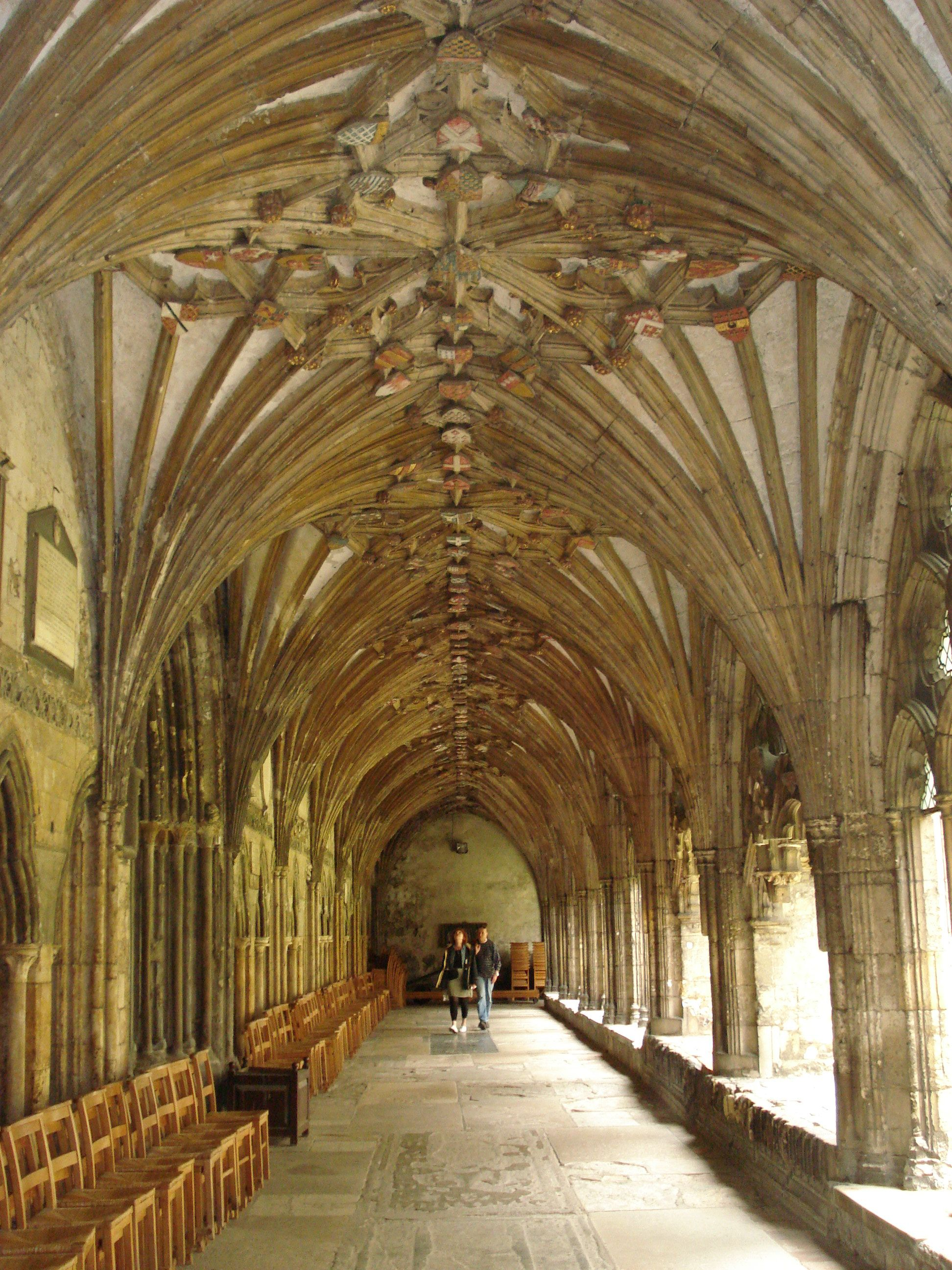 more amazing archways of the cathedral
