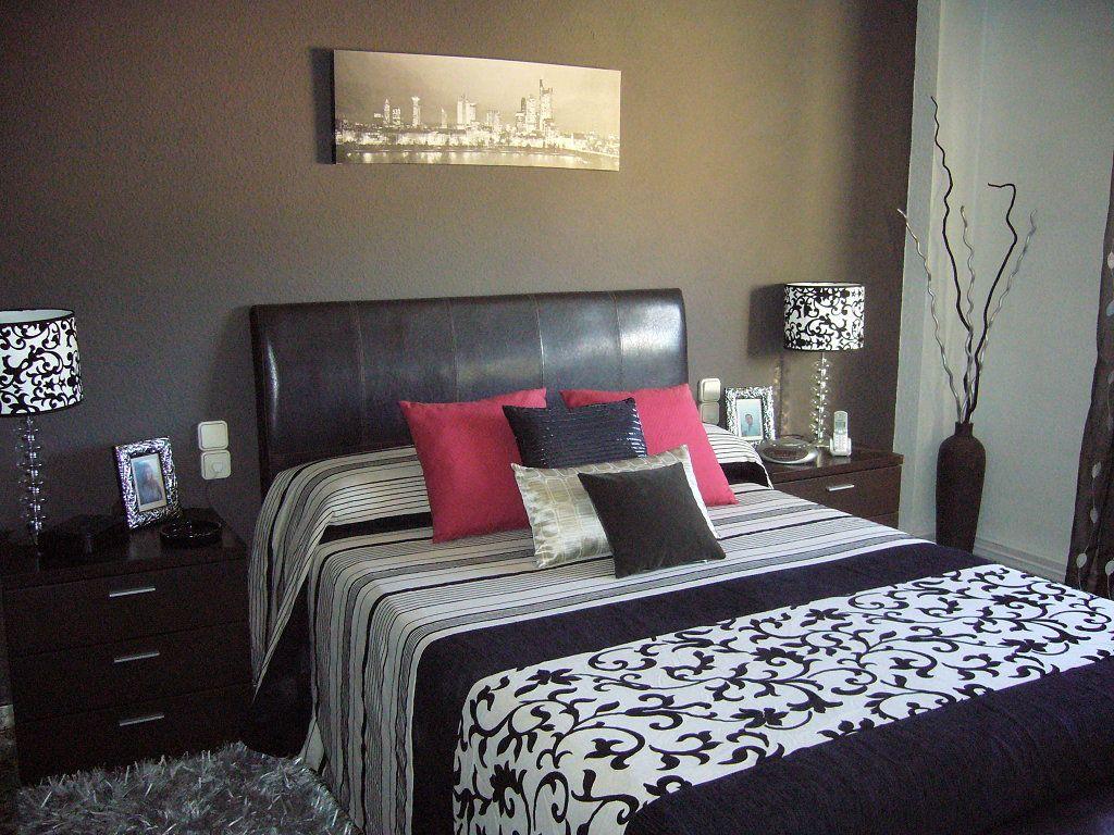 Dormitorio muebles blanco y negro me ayudais decorar for Dormitorio negro