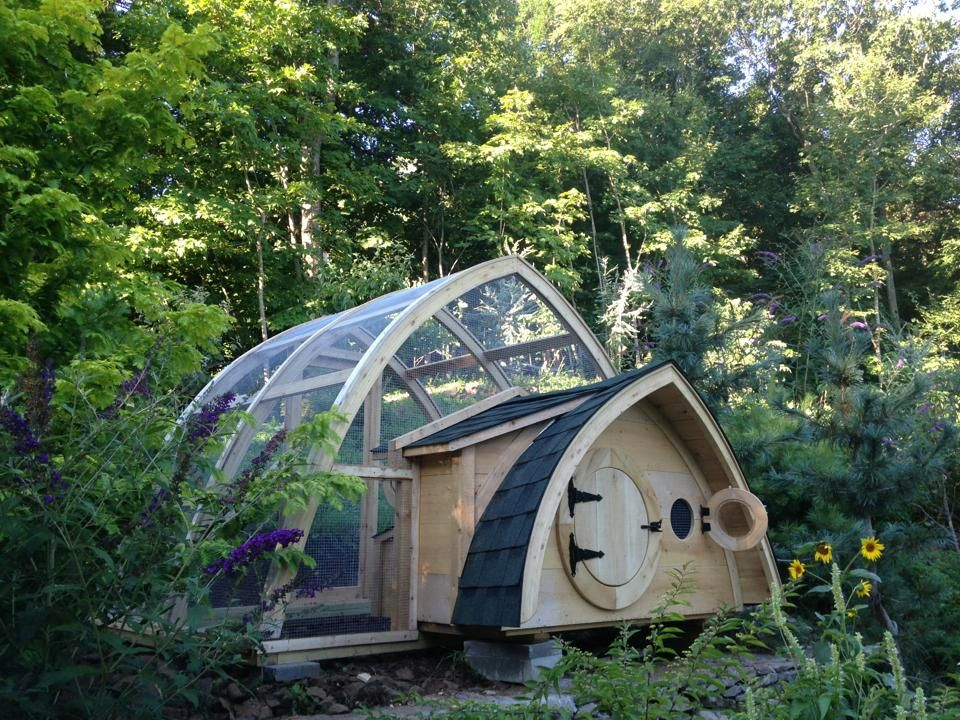 Hobbit Hole Chicken Coop & run in Cheshire, CT. AWESOME